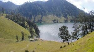 view Kumbolo dari bukit cinta