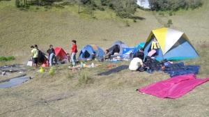 pagi di tenda kami